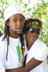 Jah_cure_with_his_mother_panseta_ca